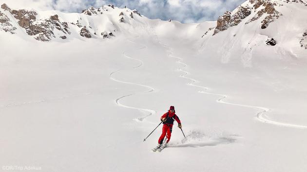 Ski hors-piste avec guide et matériel de sécurité à Val d'Isère