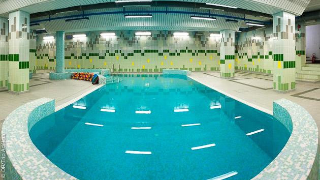 la piscine pour se relaxer après les grosses sessions heliski à Sestrieres