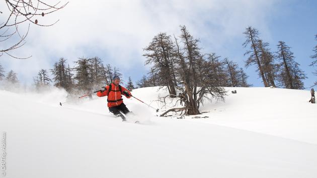 Votre guide vous propose des itinéraires de ski de randonnée au milieu de paysages grandioses