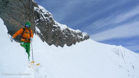 ready pour tracer la poudre à la Clusad en ski freeride