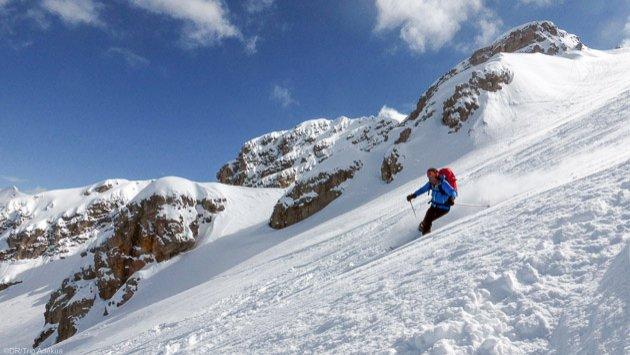 Ski freeride dans la poudreuse des Dolomites, en Italie !
